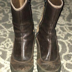 Ahnu weatherproof leather boots